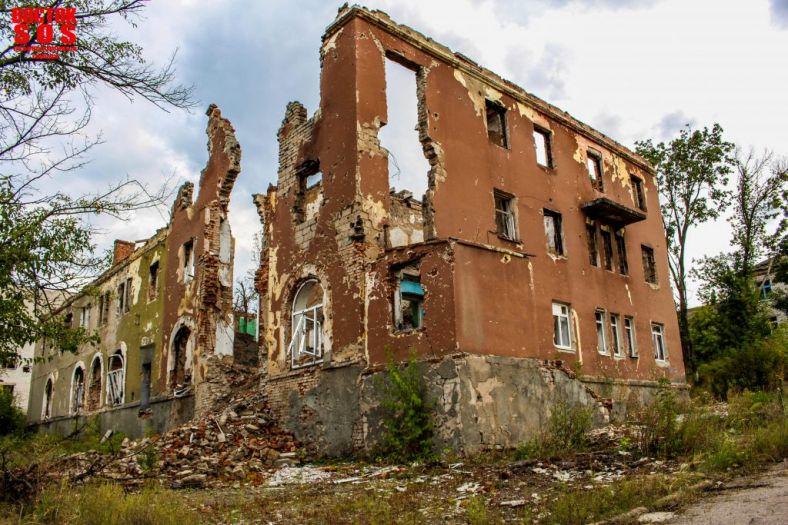 Оккупанты превратили Горловский дом-интернат для инвалидов в военную базу